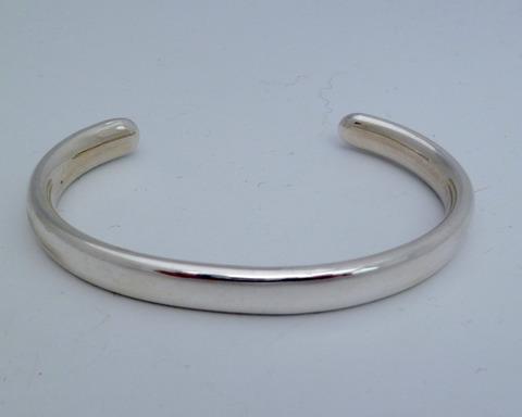 Large thumb bracelets 18