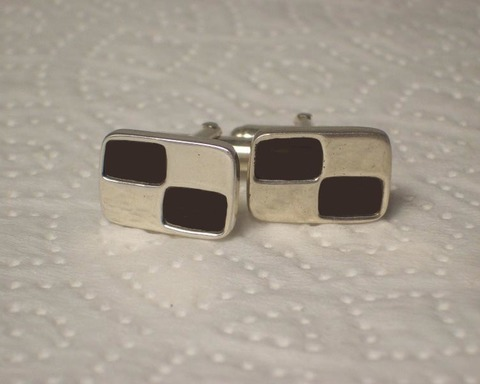 Large thumb cufflinks checker cuff links
