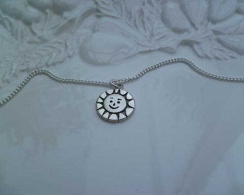 Large thumb necklaces sun pendant