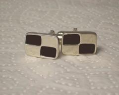 Thumb cufflinks checker cuff links