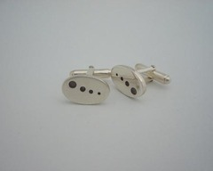 Thumb cufflinks dot cufflinks